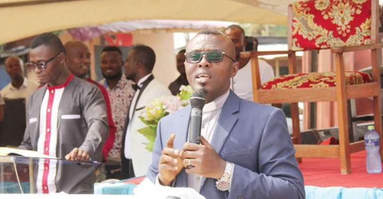 Dansoman District Head of the Apostles Continuation Church International, Reverend Isaac Osei Frimpong