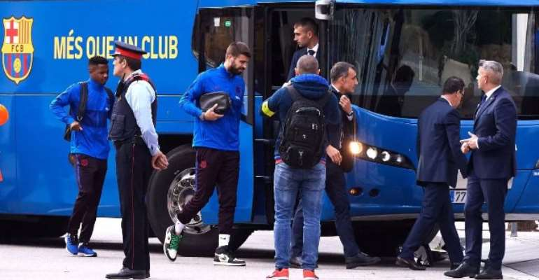 Barcelona Bus Gets Lost In Saudi Arabia