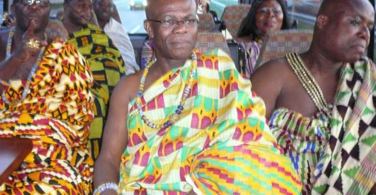 Members of Council of Ghanaian Chiefs in The Netherlands en route to Palace Noordeinde to dine with Queen Beatrix