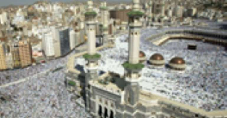 Hajj saga out of court - factions reach truce