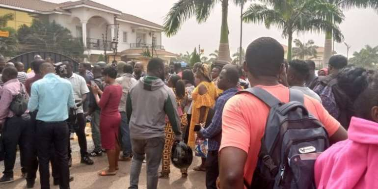 Relatives, Friends Abandon Arrested Menzgold Customers In Police Cells