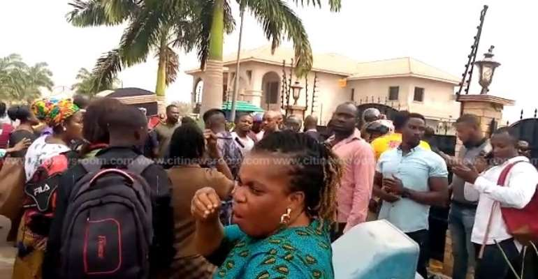 Menzgold Customers Vex Police For Blocking Their March To Petition Presidency
