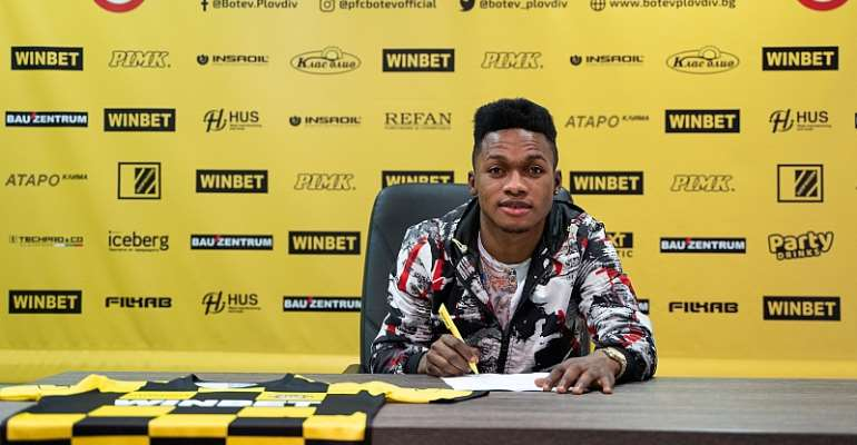 Talented Ghanaian attacker Emmanuel Toku seals move to Bulgarian outfit Botev Plovdiv