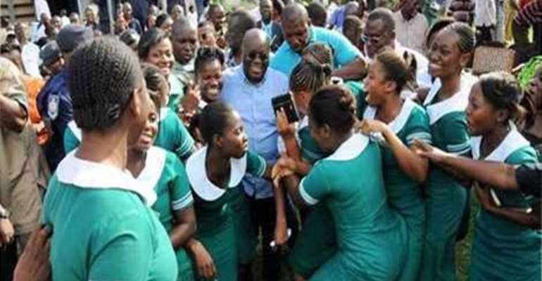 Gov't Urged To Provide Equal Privileges For Students From Private Nursing Institutions