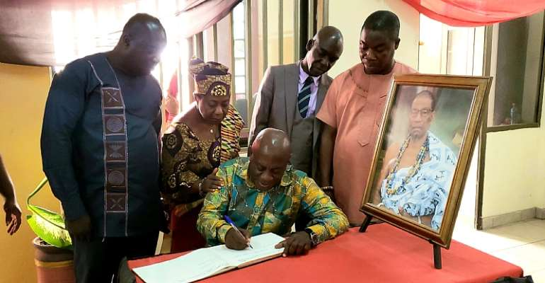 Minerals Commission Board Commiserate With La Traditional Council