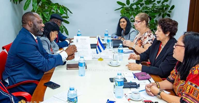 Education Ministry officials and their Cuban counterparts