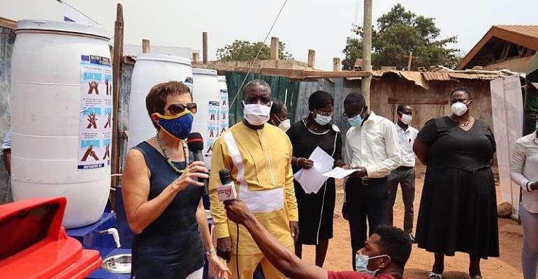 Accra: EU donates 25 Handwashing stations and 100 waste bins to Schools