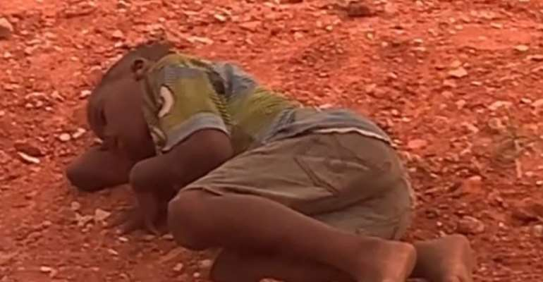 Akuapem Poloo saves hungry street boy
