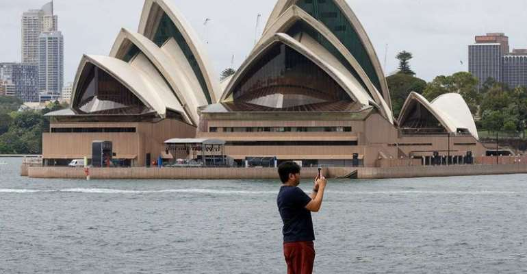 Australian government offers half-price flights to tourists