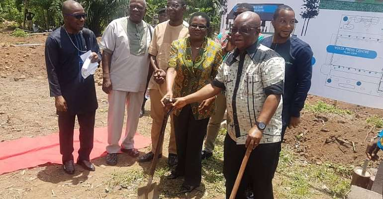 V/R: GJA Cuts Sod For Construction Of Press Center Facility