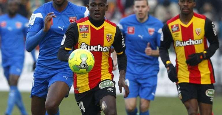 RC Lens fans want Daniel Opare out of the club