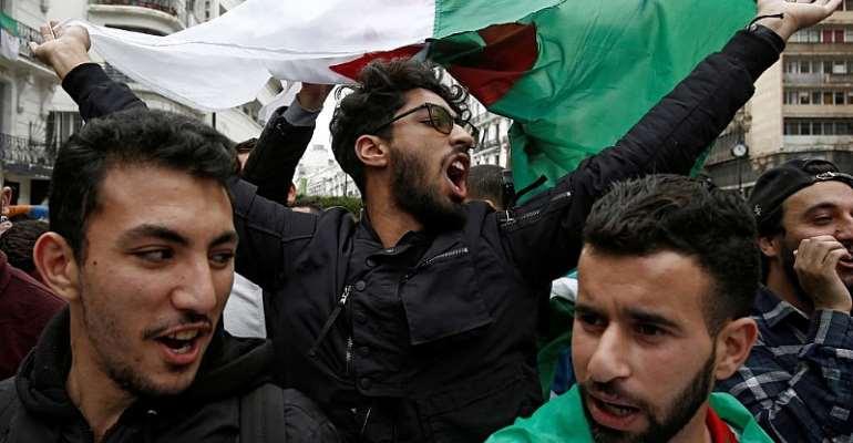 Ramzi Boudina/File Photo/Reuters