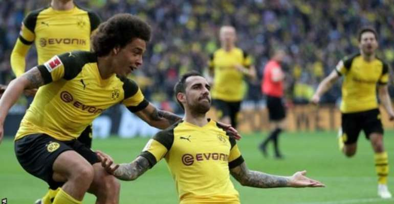 Dortmund Back On Top Of Bundesliga As Bayern Stumble
