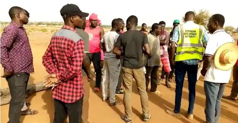 COVID-19: Saboba Youth Block Roads As People Flee From Locked-down Areas