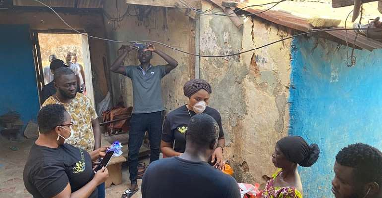 Lockdown: Sisters Keepers Association Support The People Of Nima And Madina With Food