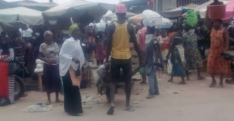 Kasoa: Assembly Eject Traders Outside Satellite Market