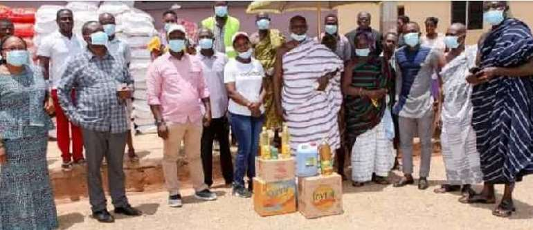 COVID-19: Danny Welbeck Supports People Of Atwima Nwabiagya With Food Items