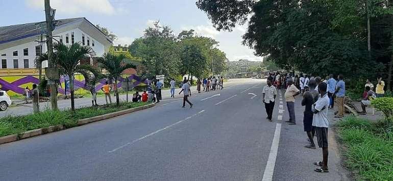 COVID-19: Chiefs, Residents Protest Use Of School As Quarantine Centre At Brafoyaw