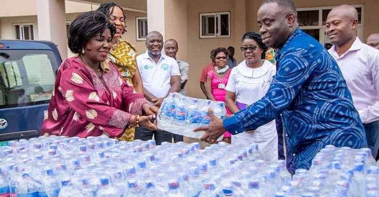 Sanitation Minister Donates To Health Workers Fighting Coronavirus