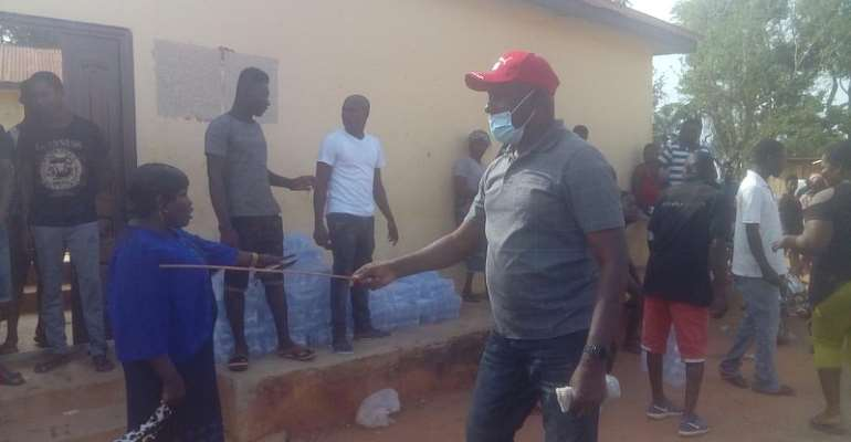 Angry DCE Flogs Yabi Residents For Disregarding Social Distancing