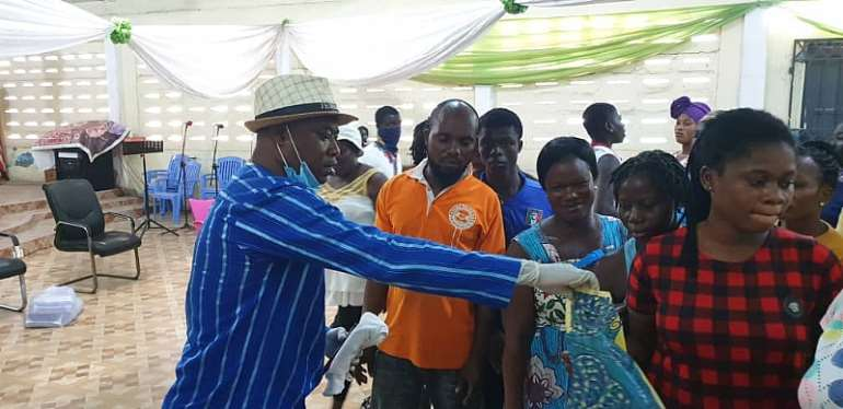 Coronavirus: Apostle Paul Adei Cushions Church Members With Food And Preventive Items