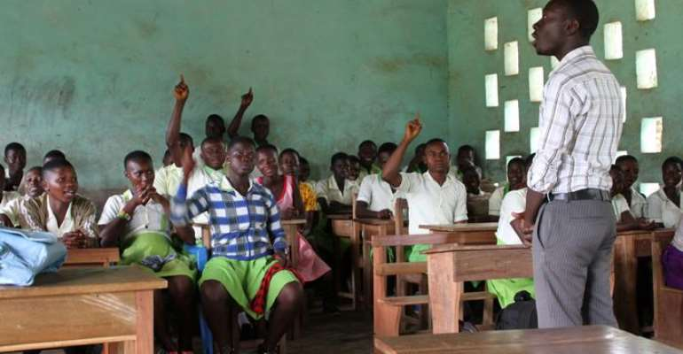 Failure to register for license means disqualification — Teachers told