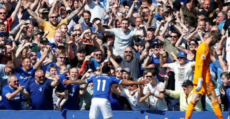 Everton Put 4 Past Woeful Man United