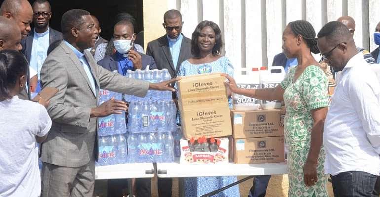 Sunyani: B/A Presbytery Donates COVID-19 Relief Items To Health Facilities