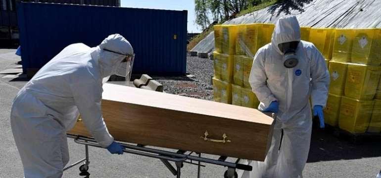 Covid-19: UK Deaths Hits 18,100