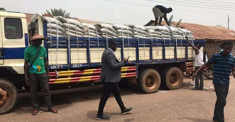 Farouk Aliu Mahama Donates 800 Bags of Sugar To Muslim Community In Yendi