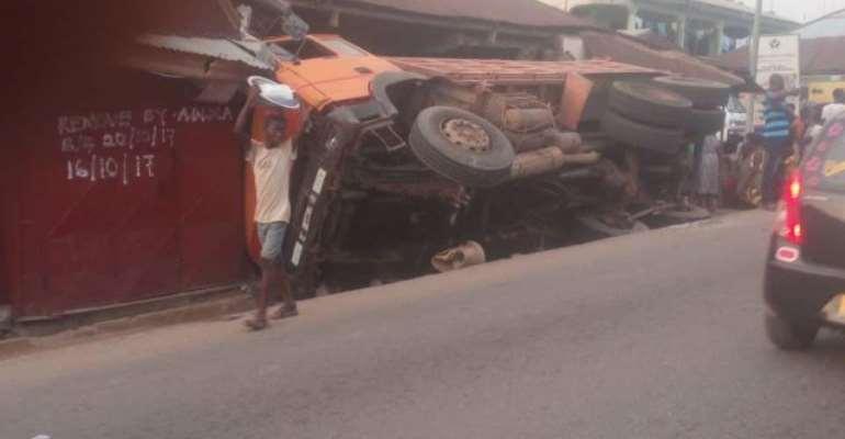 Tipper Truck Injures 2 Teenagers