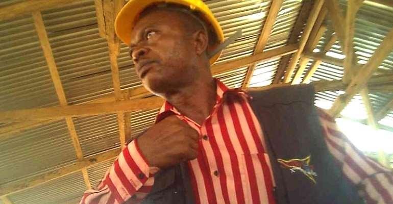 Video: KMA Staff Taking Bribe In The Public Toilet