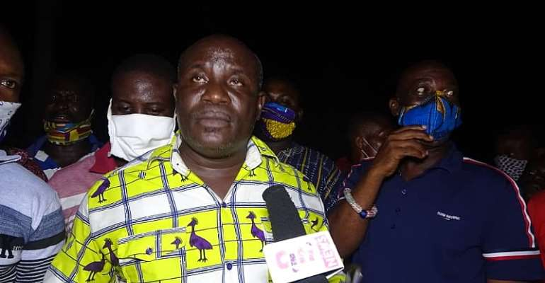 C/R: Residents Protest The Usage Of Odukpong Ofaakor SHS As COVID-19 Isolation Centre