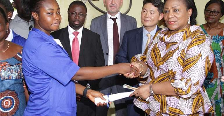 First Lady Commends Female Electronic Students