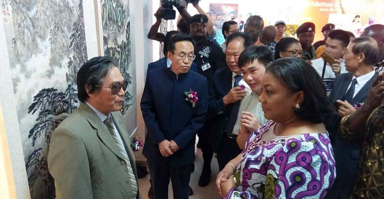 First Lady Inaugurates Chinese Art Exhibition
