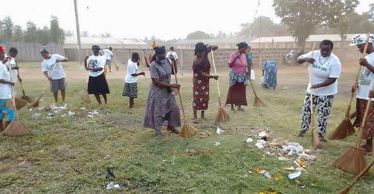 Keta: NDC women group organizes clean up exercise to mark Easter