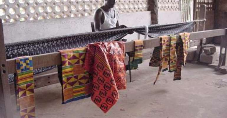 Bonwire Children Abandon School To Weave Kente