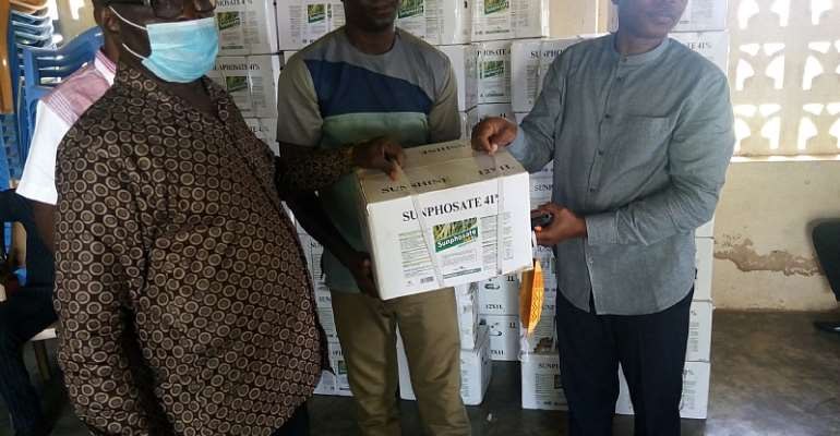 Krachi East MP Donates Agrochemicals To Farmers