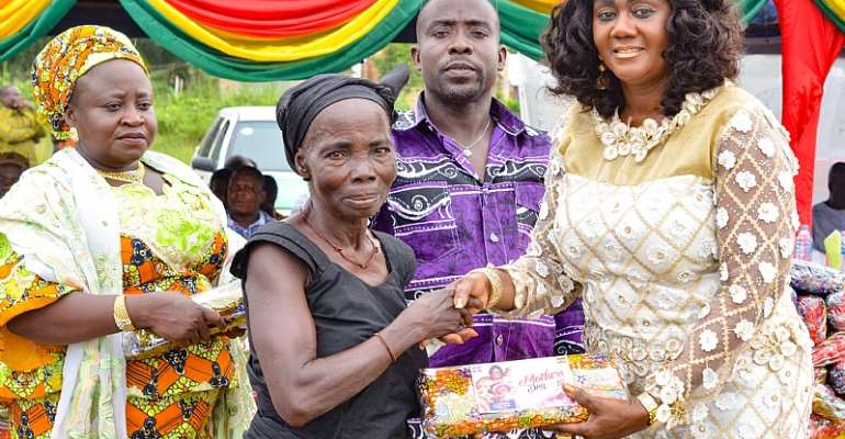 Mothers Day: Tourism Minister Celebrates With 400 Widows