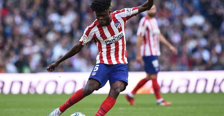Arsenal Fans Hijack Prez. Akufo Addo's Press Conference To Ask About Thomas Partey Transfer