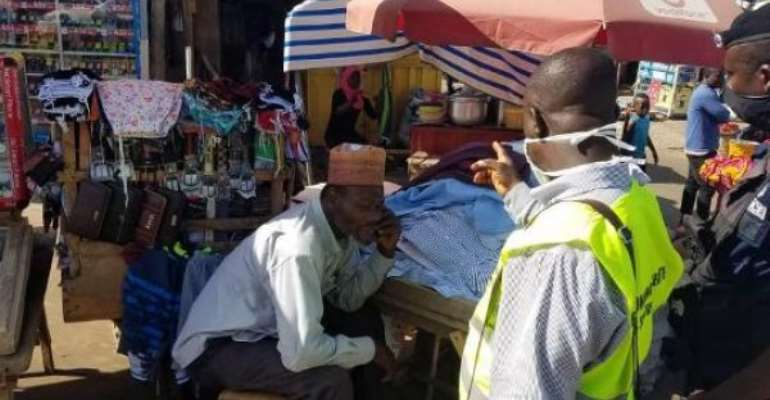 Covid-19: Traders Ignore Safety Measures In Ho Market
