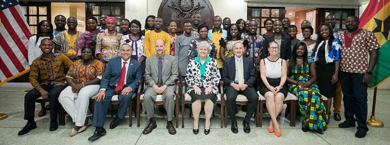 Ambassador Sullivan with the 2019 YALI Cohort and other U. S. Embassy officials