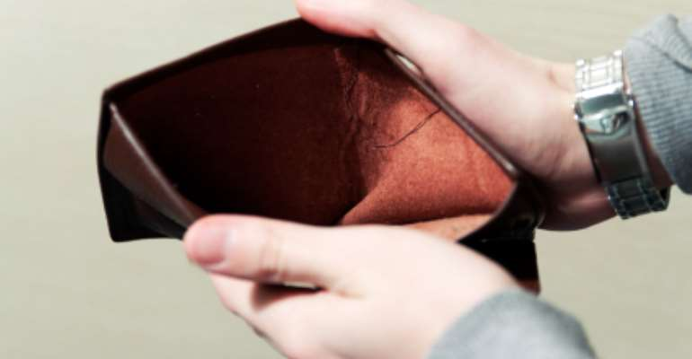 7 Sure Ways To Remain Broke Even If You Earn A Decent Income