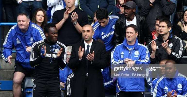 Michael Essien with Roberto Di Matteo and former Chelsea assistant, Steve Holland