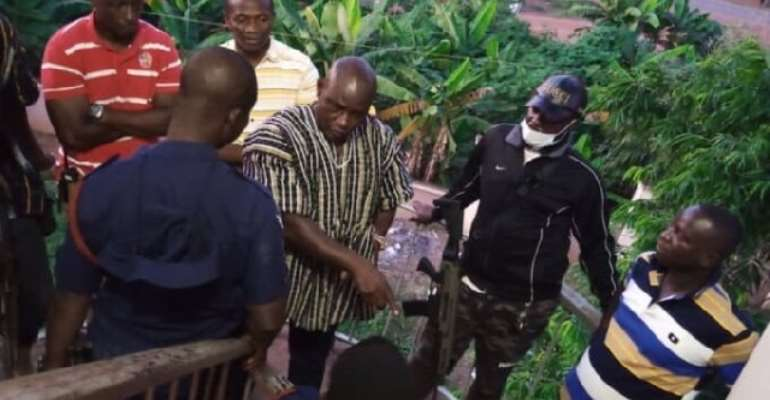 DCOP Opare Addo in grips of National Security personnel