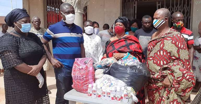 Gomoa Aboso Queenmother Welcomes Isolation Centre Donates 1,000 Nose Masks