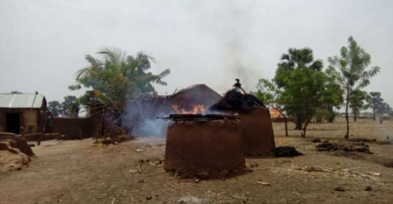 Burnt houses at Chereponi conflict