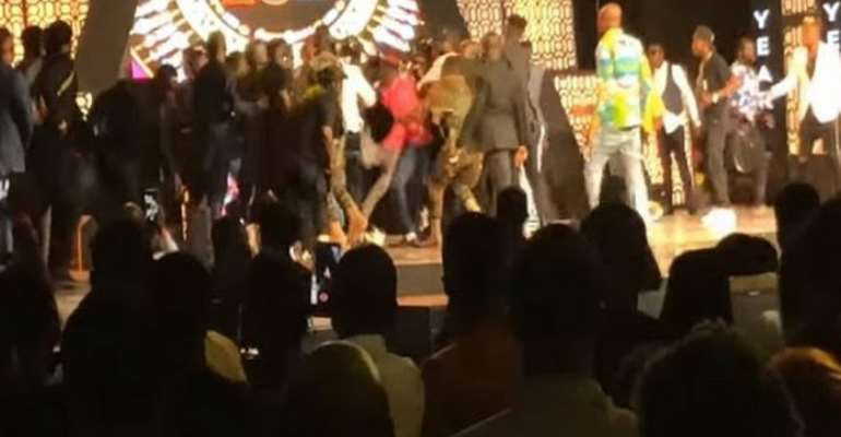 Police Chases Person Who Handed Pistol To Stonebwoy