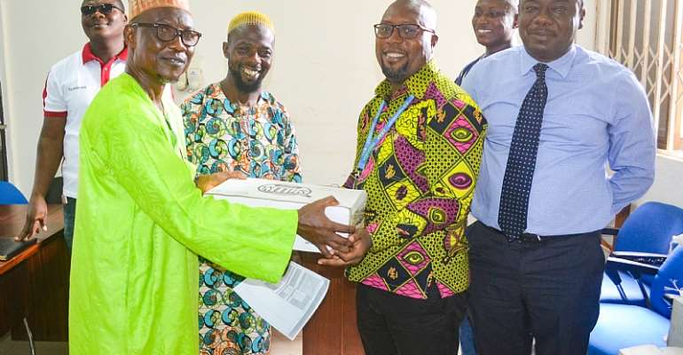 Prestea/Huni-Valley MP, MCE Donates To Ramadan