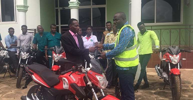 Asene Manso: Agric Extension Officers Receive Motorbikes
